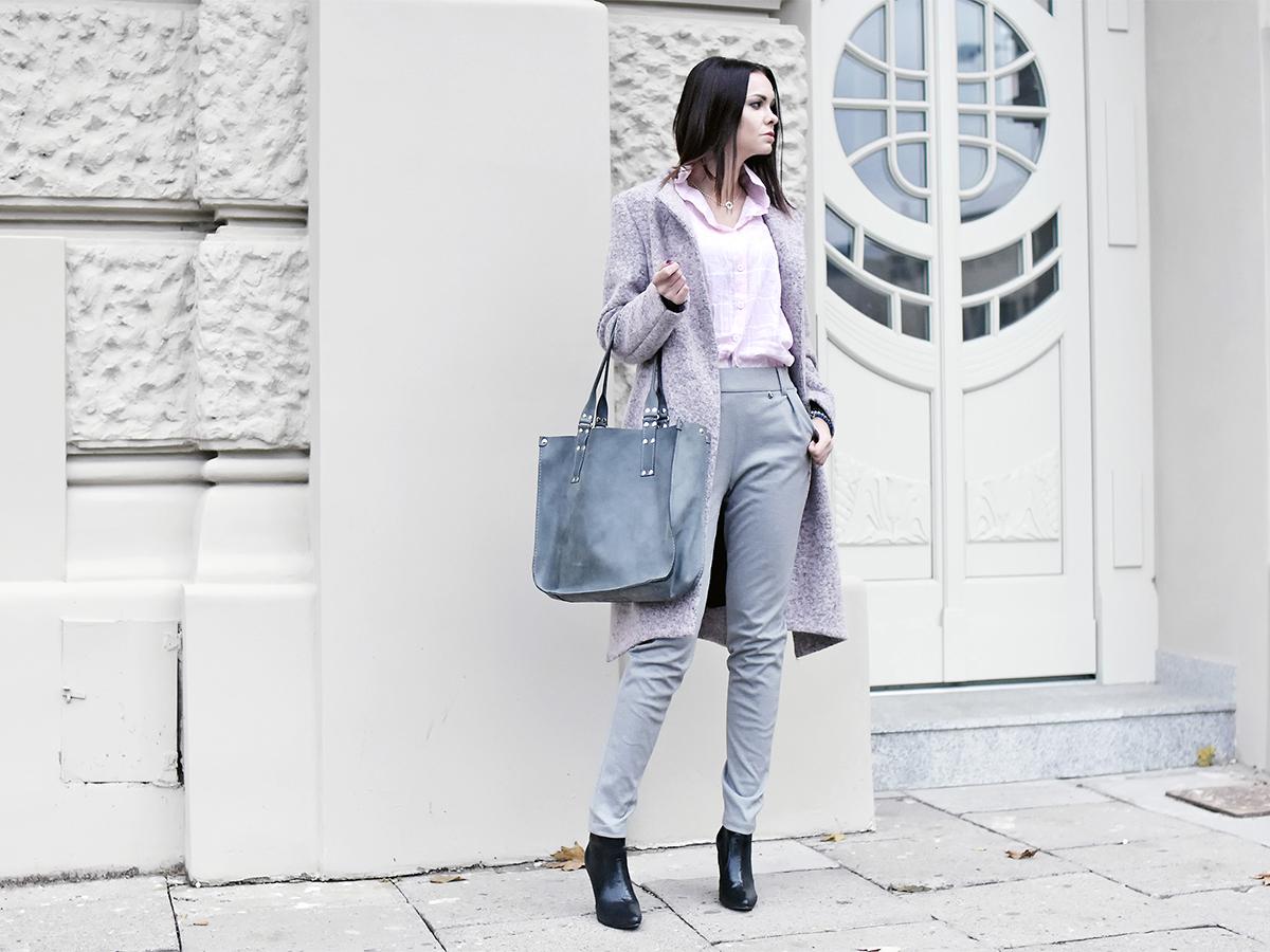 Różowy asymetryczny wełniany płaszcz