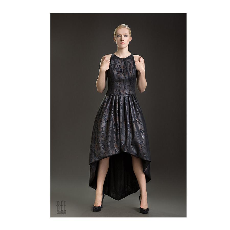 Asymetryczna sukienka błyszcząca na studniówkę