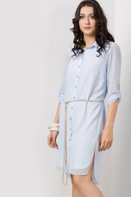 błękitna koszulowa sukienka midi
