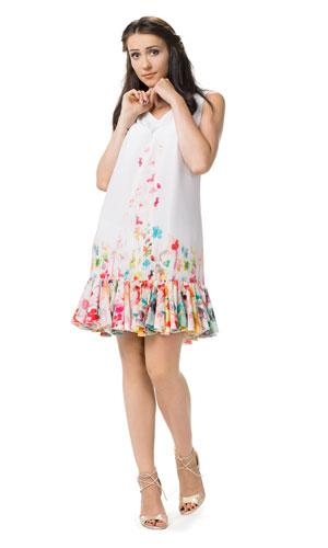 Prosta, biała sukienka w kwiaty z falbanką