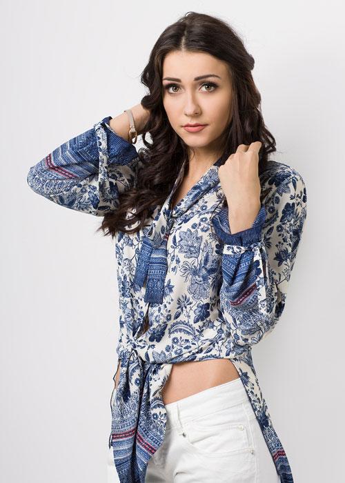 Błękitna koszula w kwiaty