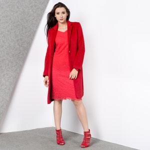 Stylizacja w czerwonym kolorze