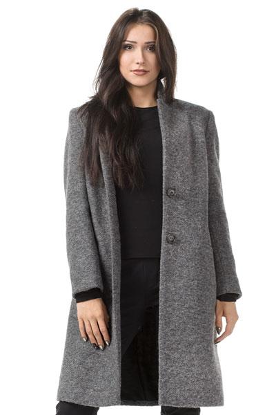 płaszcz-zapinany-na-guziki